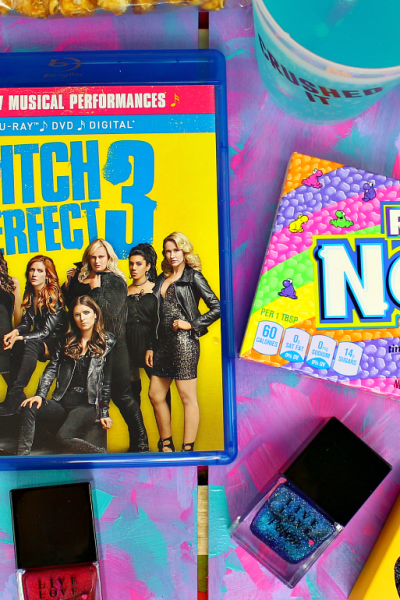 Pitches Night In: Throw The Ultimate Pitch Perfect 3 Movie + Mani Party